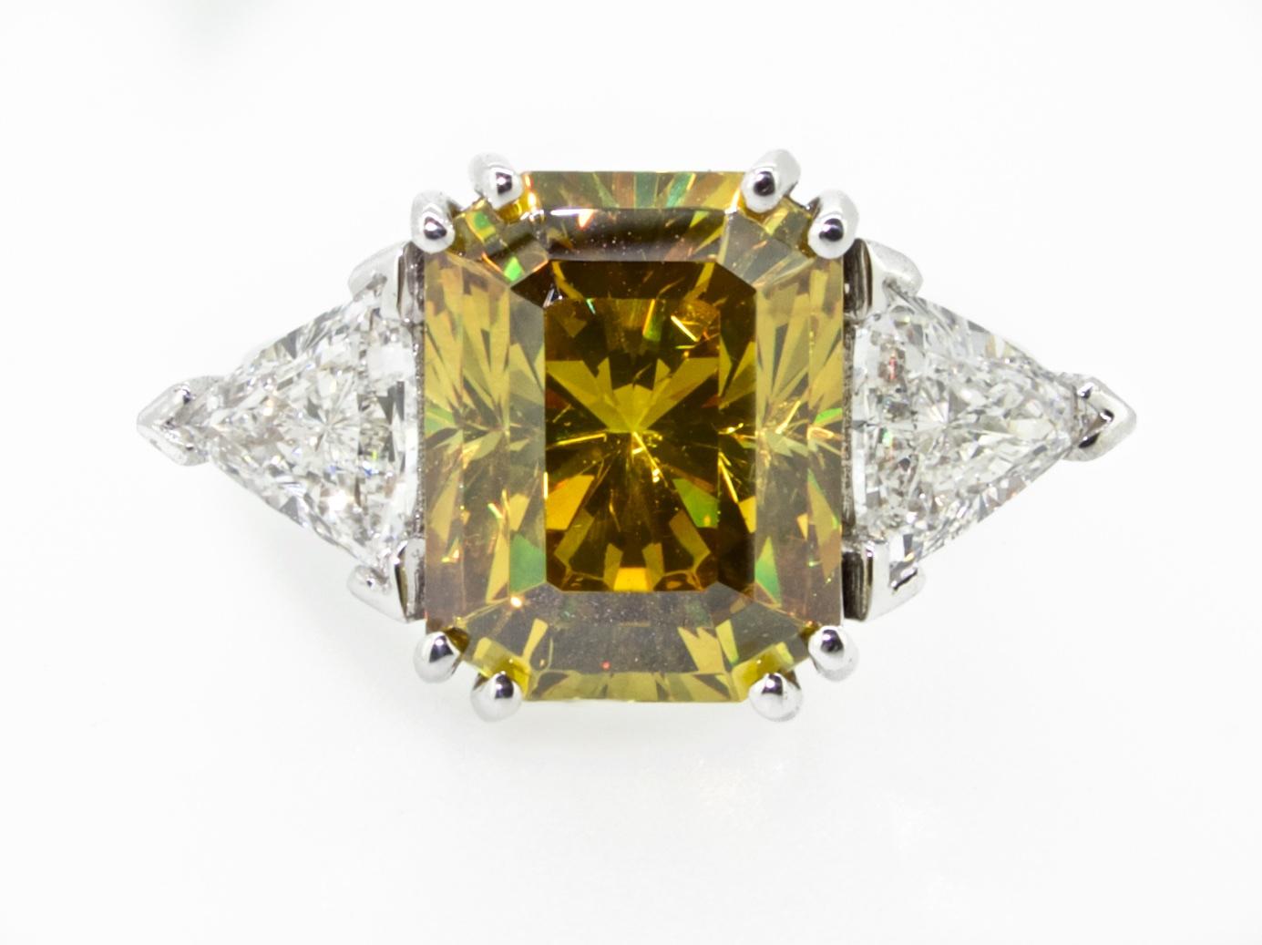 Titanite o Sfene e diamanti triangolari